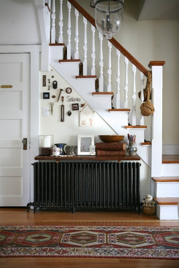 radiatorius po laiptais