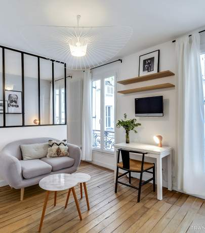 25 sq.m apartment interior. Again in Paris.