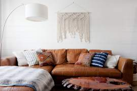 Wall behind the sofa. 8 decorating ideas.