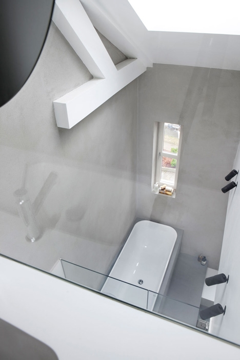 grey walls in bathroom