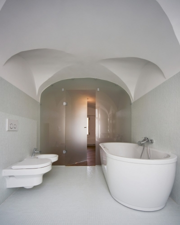 vaults in bathroom