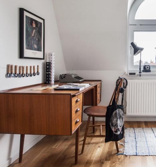 medinis darbo stalas