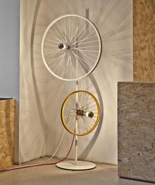dviratis - šviestuvas