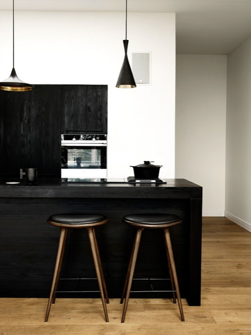black kitchen furniture