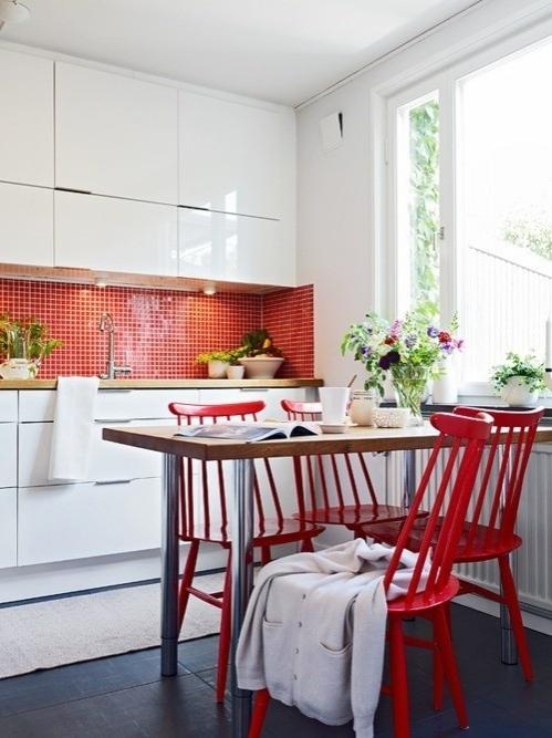 raudona virtuvėje