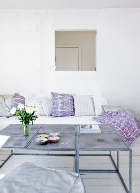 violetinės pagalvės