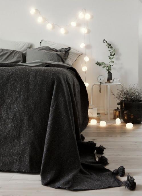 lempučių girlianda miegamajame