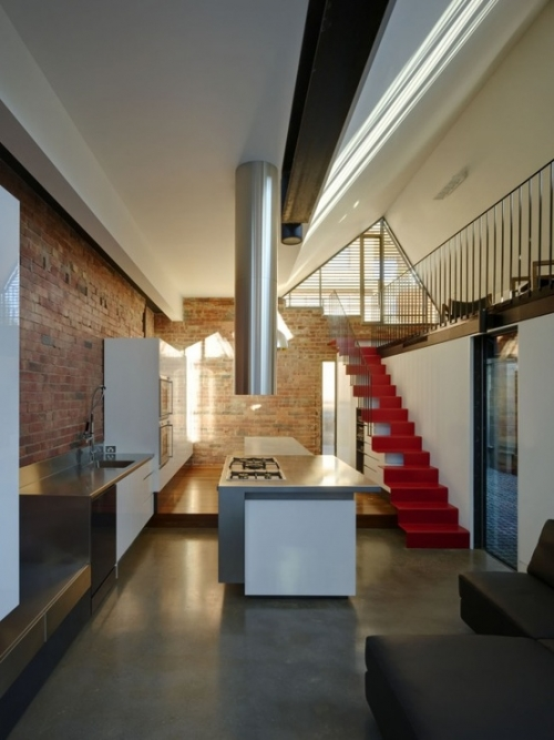 raudoni laiptai