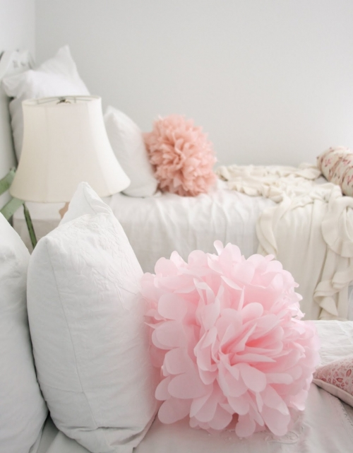 pagalvių dekoracijos