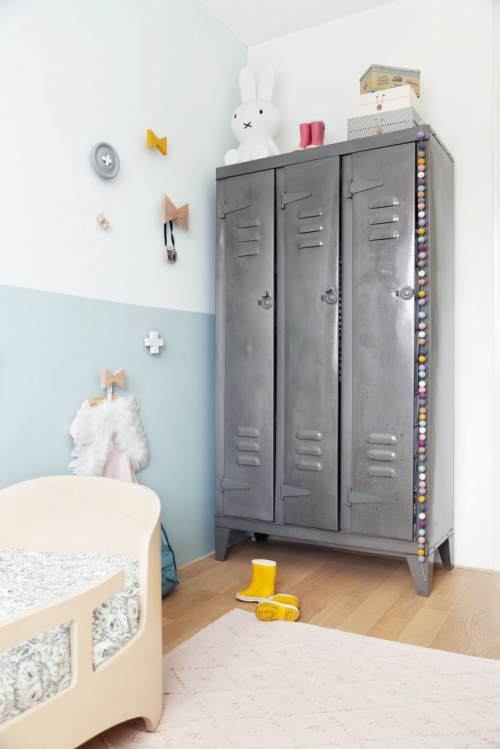 wardrobe children's room