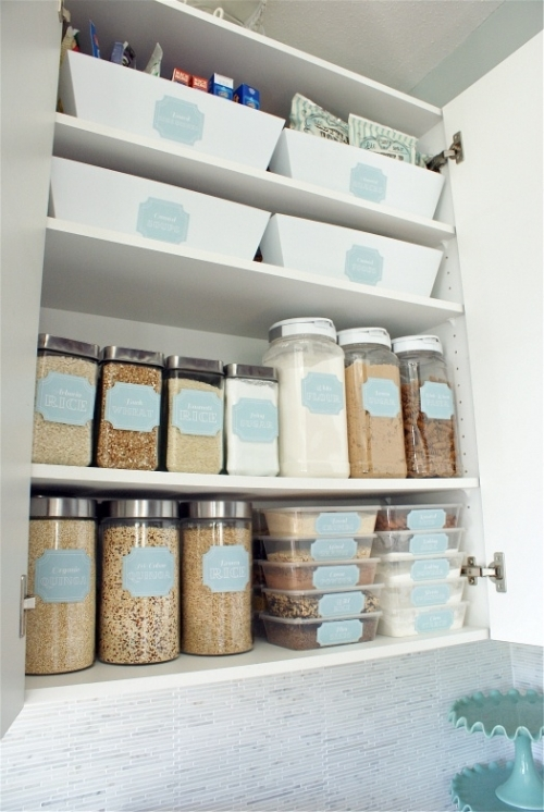 tidy kitchen cabinet