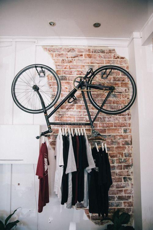 dviratis - drabužių kabykla