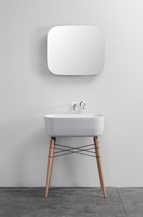 mirror above washbasin