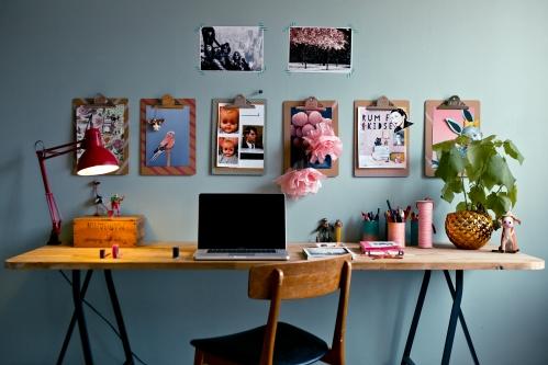 siena virš darbo stalo