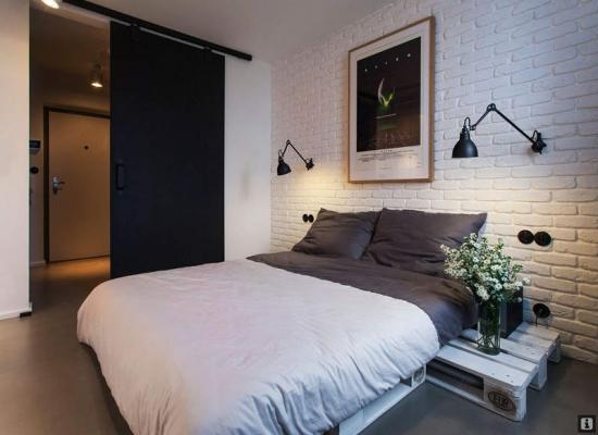 baltos plytos miegamajame
