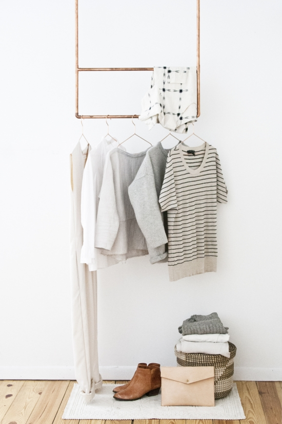 hanging clothes style