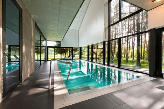 indoor swimming pool (2)