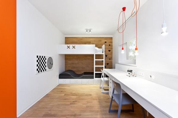 dviaukste lova moderni