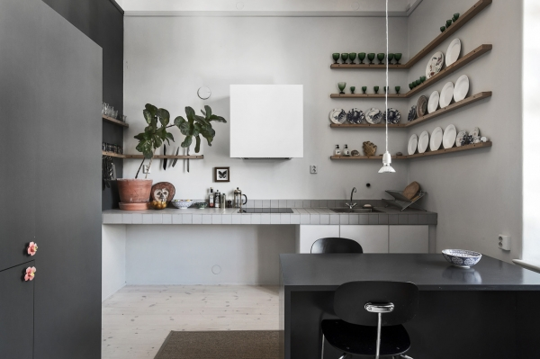 non-standard kitchen interior