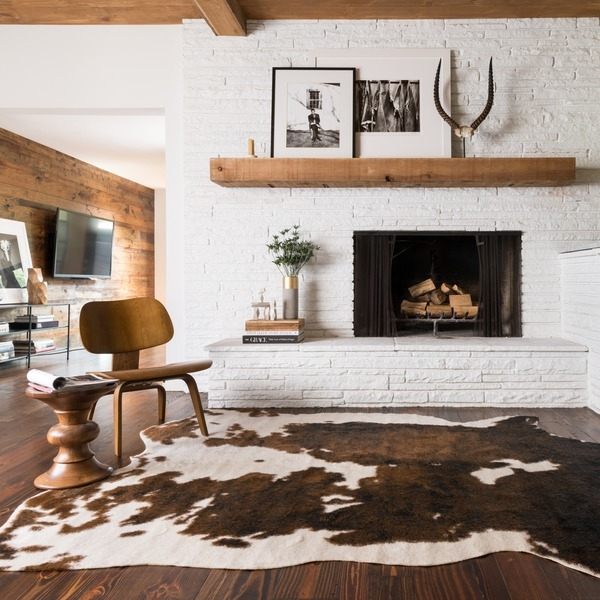 white brick wall fireplace
