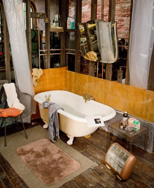 love and other drugs apartment bohemian loft bathroom