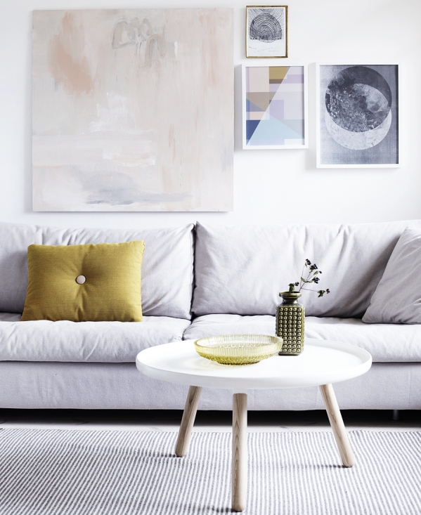 paitings arrangement in living room