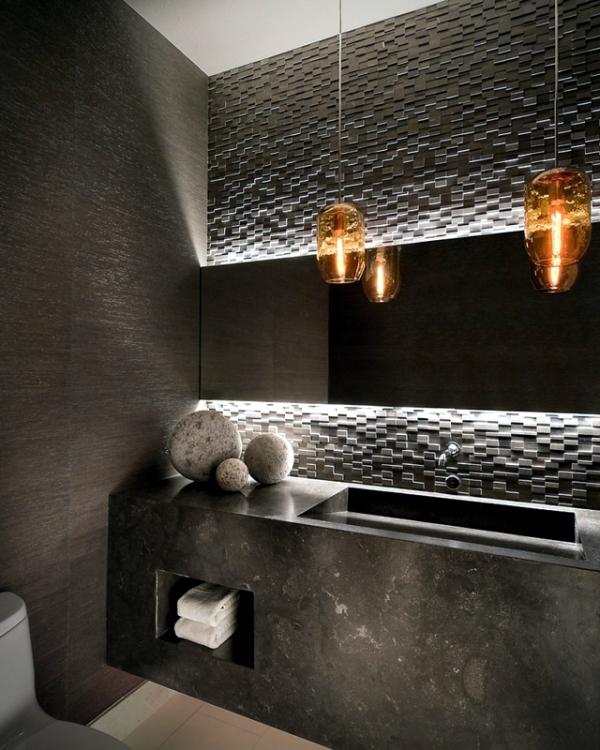 juodas vonios kambarys