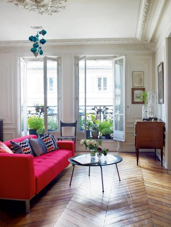 ryskiai rožinė sofa