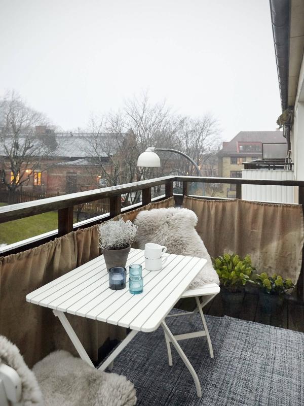 baldai mazam balkonui