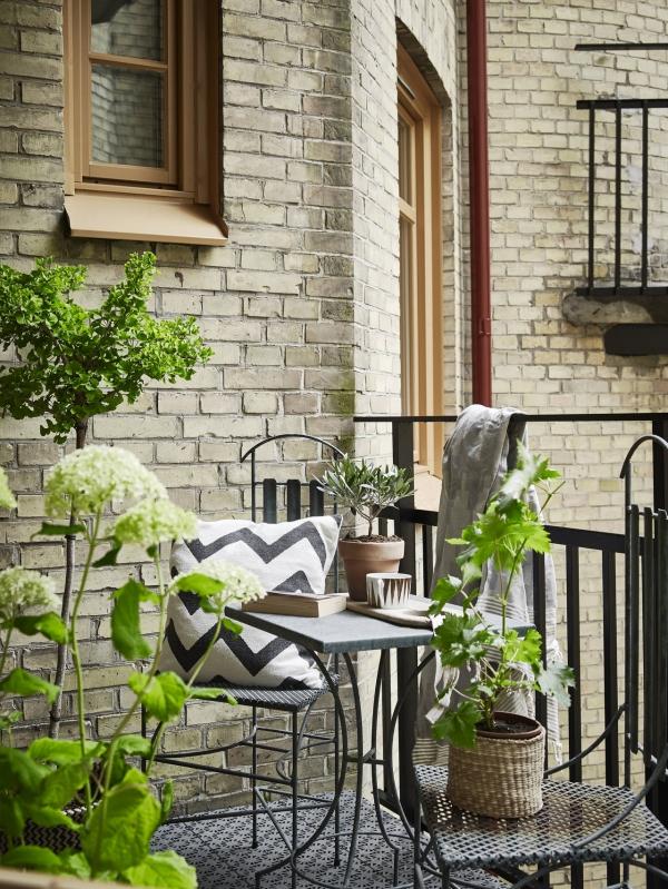 balkono baldai
