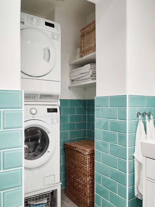 skalbimo masinos vieta vonioje