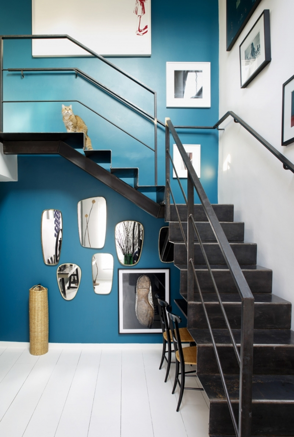 veidrodziai po laiptais