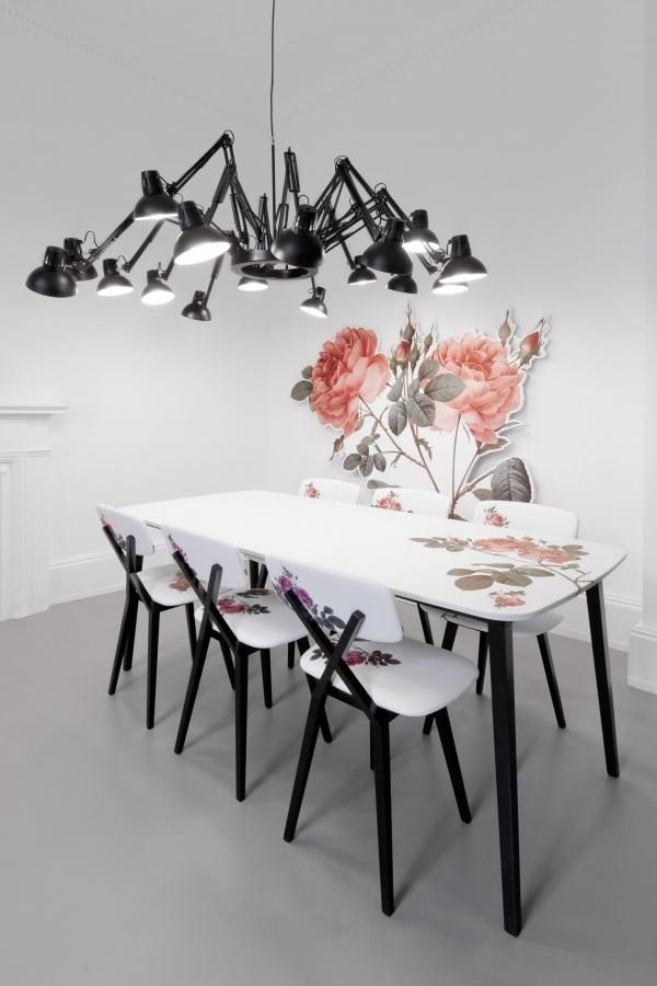 šviestuvas virš stalo