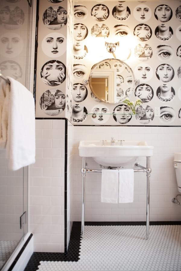 tapetai vonioje