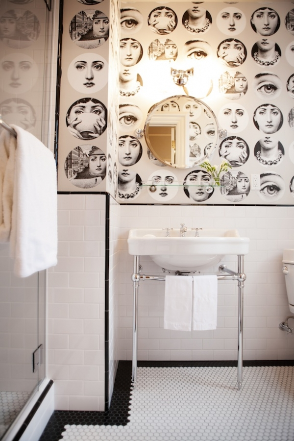 wallpapers in bathroom