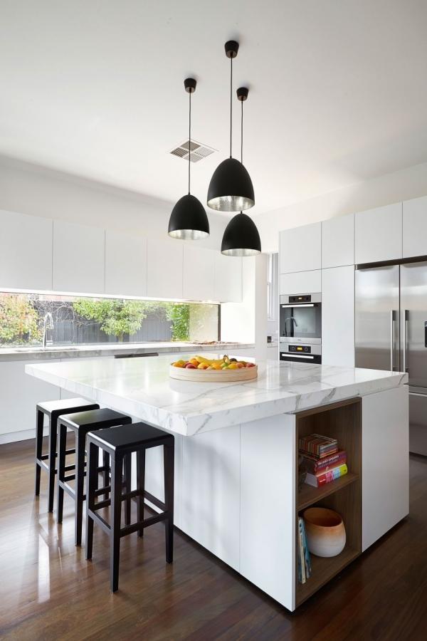 virtuvės sala iš marmuro