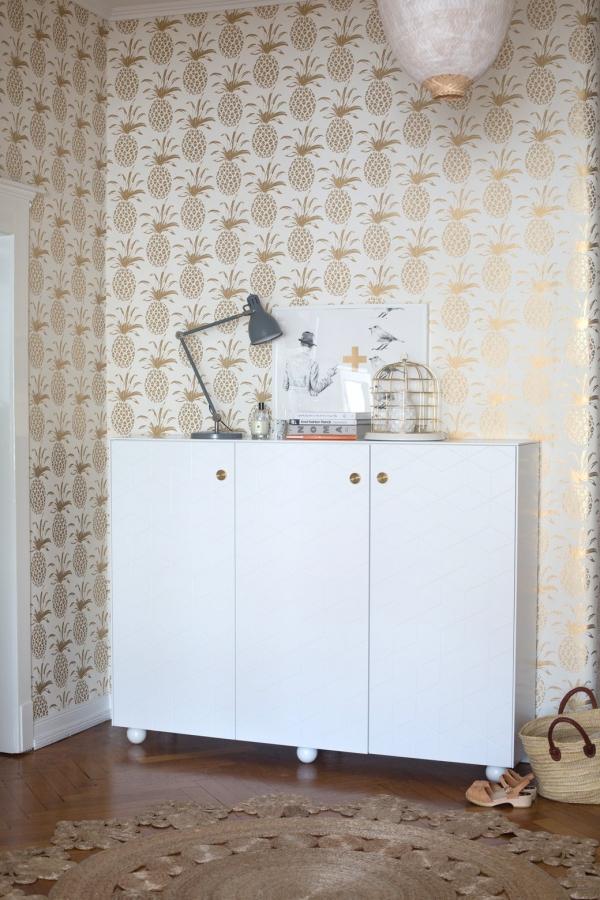 ananasai ant sienu