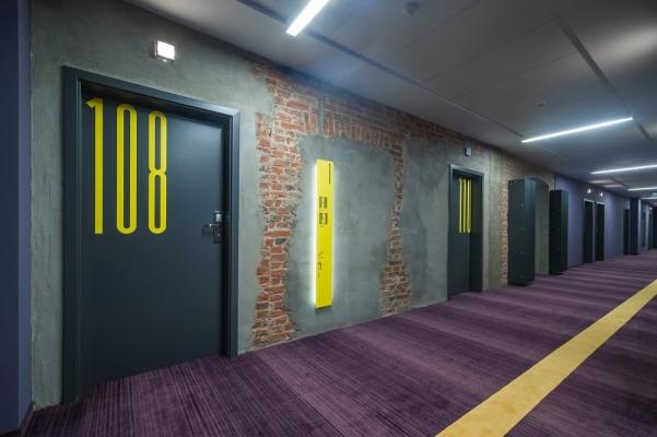 viešbučio koridoriaus interjeras