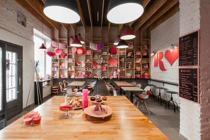 rožinė kavinė