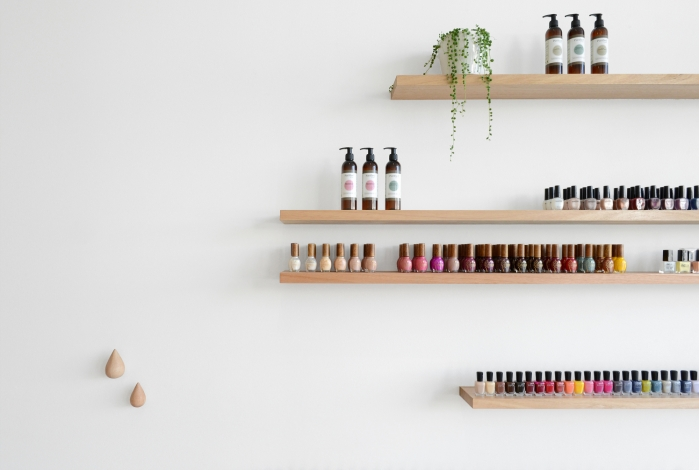 shelf for nail polish