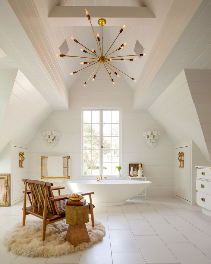 heigh ceiling bathrooom