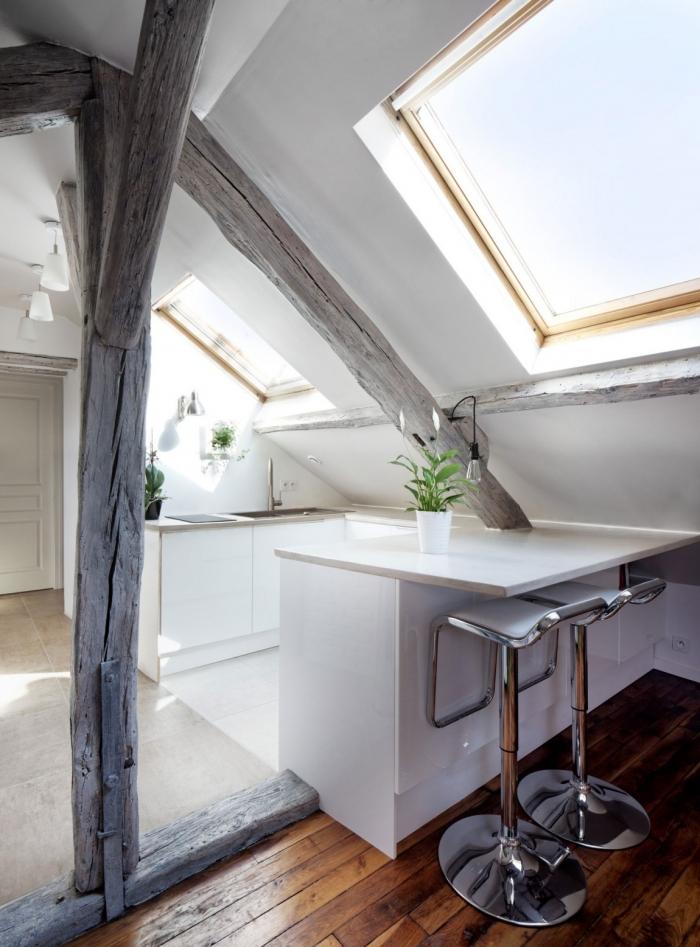 virtuve mansardoje