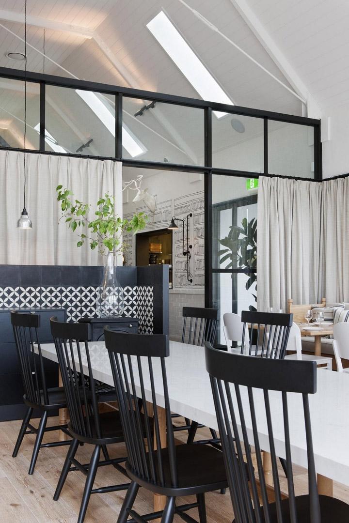 black chairs restaurant