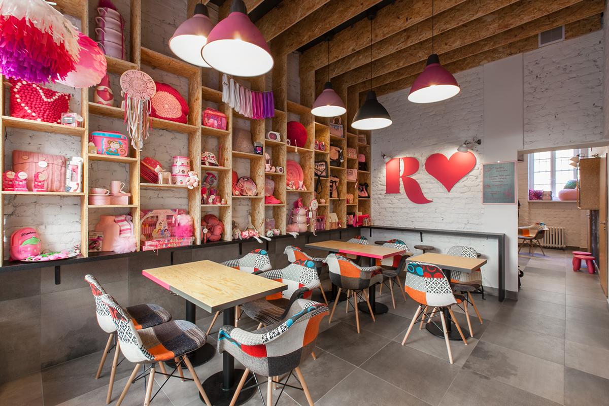 pink cafe (toys shop inside) - viskas apie interjerą